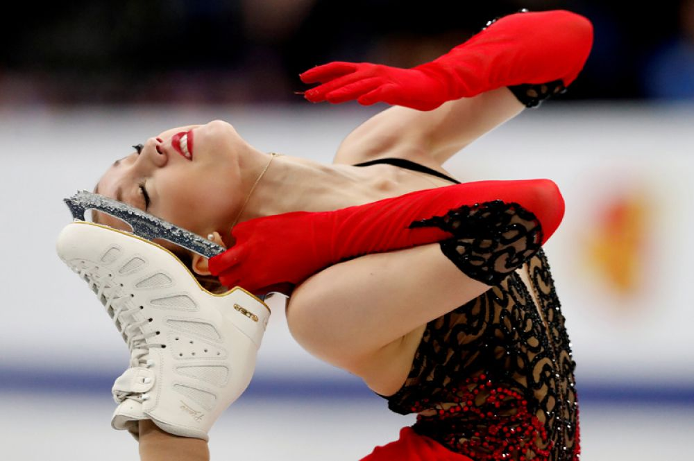 Чемпионат Европы по фигурному катанию среди юниоров, Минск. Швейцарская фигуристка Алексия Паганини выполняет программу.