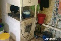 В оренбургских сёлах есть печи кое-как приспособленные для газового отопления еще много лет назад.