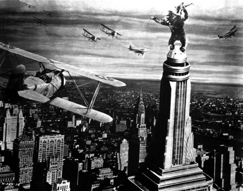 «Кинг Конг» (1933). После премьеры в США картина мгновенно стала сенсацией, но не получила ни одной номинации на «Оскар». Правда в последующие десятилетия несколько номинаций и наград получили два ремейка оригинального фильма.