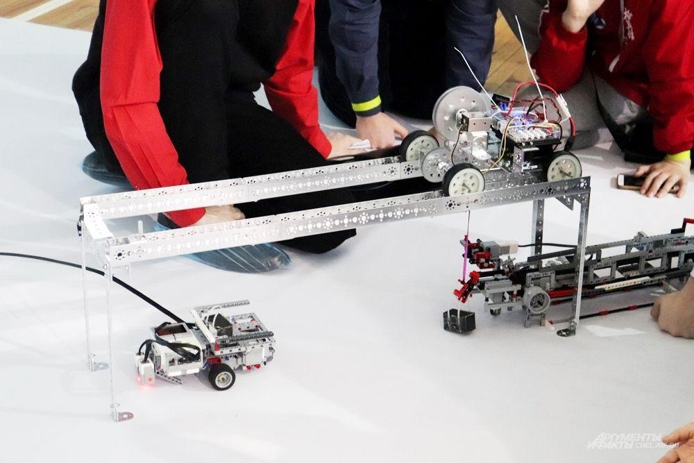 Одна из команд представила модель системы, которая позволит автоматизировать погрузку металла на ЧМК.