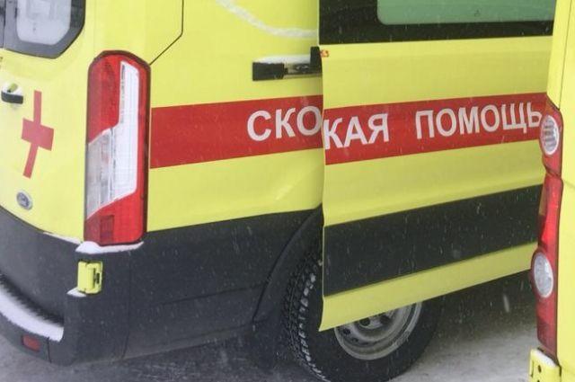 Двух пассажиров маршрутки доставили в больницу.