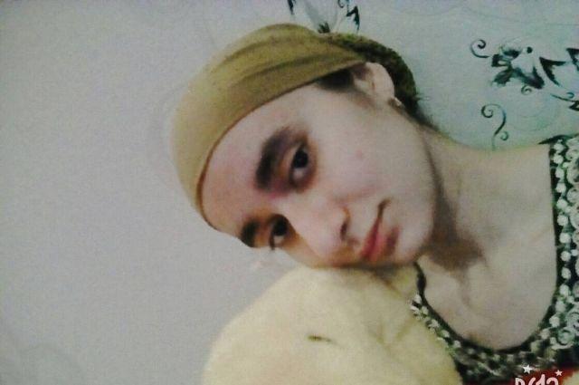 В Орске пропала 19-летняя Манижа Курбонова