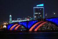В будни мосты будут освещаться с момента включения уличного освещения и до полуночи.