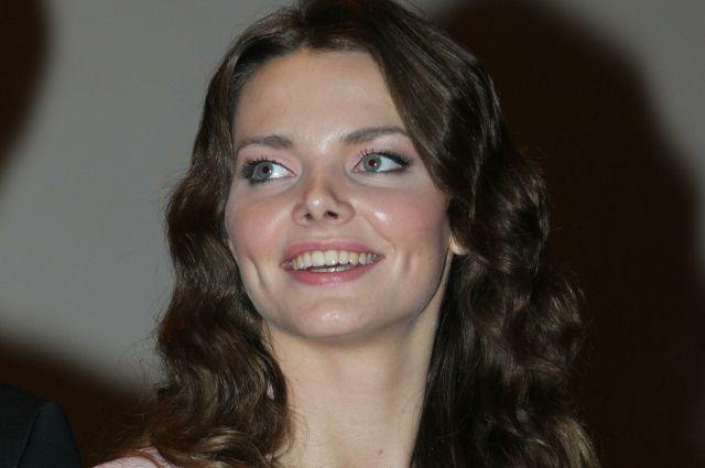Боярская признается, что до сих пор любит смотреть мультфильмы.