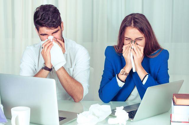 Есть ли симптомы простуды, с которыми можно ходить на работу?
