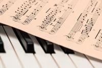 Наш талантливый земляк исполнит произведения знаменитых композиторов разных музыкальных эпох.