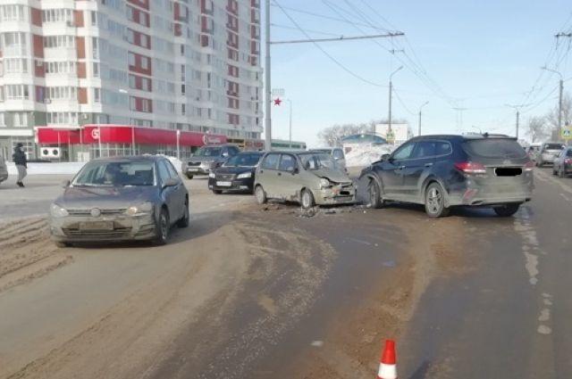 В Оренбурге на пр.Победы в ДТП пострадали пассажиры.
