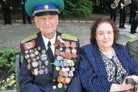 Нина Николаевна и Карл Максимович Демьяненко отметили железную свадьбу.