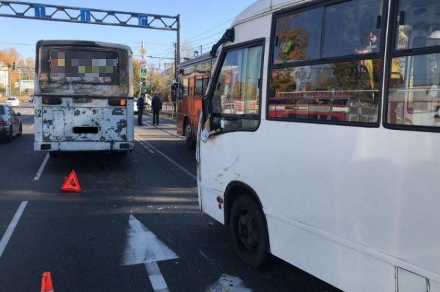 Автобус следовал по маршруту №40, в салоне находилось 7 пассажиров.
