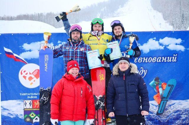 Всего в соревнованиях приняли участие более 35 спортсменов.
