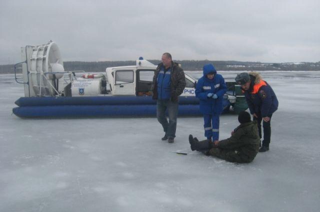 Спасатели запретили выход на лёд двух водоёмов Калининграда