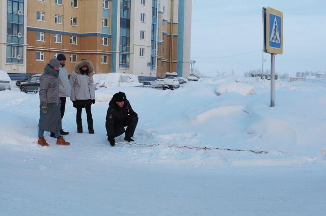 В Салехарде автоинспекторы и общественники проверили состояние дорог
