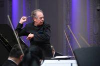 Дирижер Уральского академического филармонического оркестра Свердловской филармонии Дмитрий Лисс.