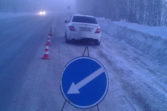 Автомобиль заглох на трассе - водителю помогли дорожные службы