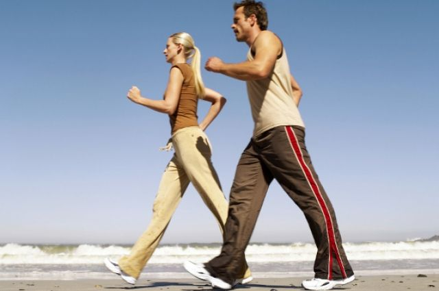 Ходьба помогает человеку не только попасть в пункт назначения, но и улучшить здоровье.