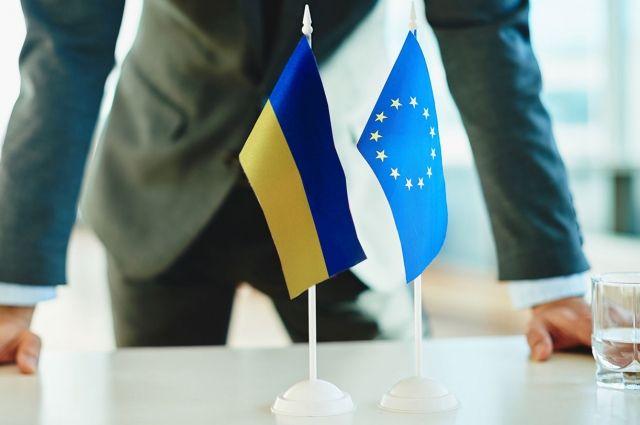Евросоюз поставил «на паузу» новые решения относительно Украины
