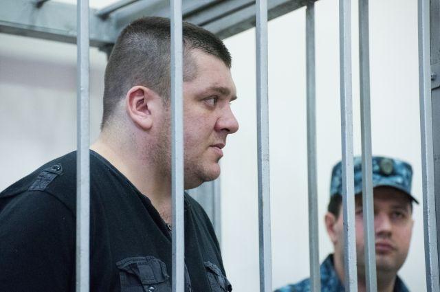 Житель Санкт-Петербурга, обвиняемый в хулиганстве самолете, на заседании Адлерского районного суда