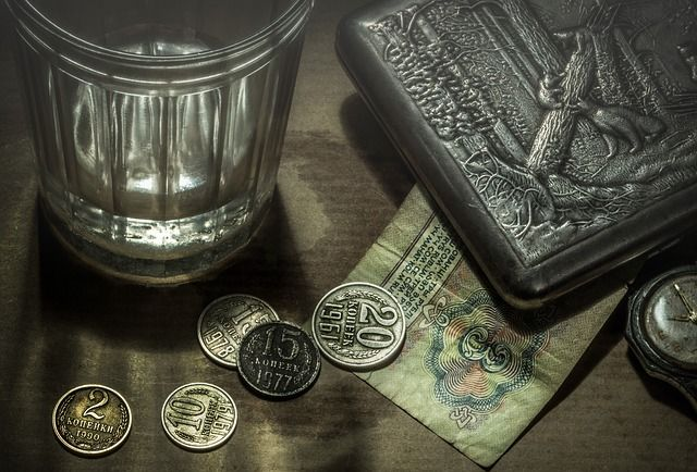 Водка появилась на Руси задолго до Менделеева.