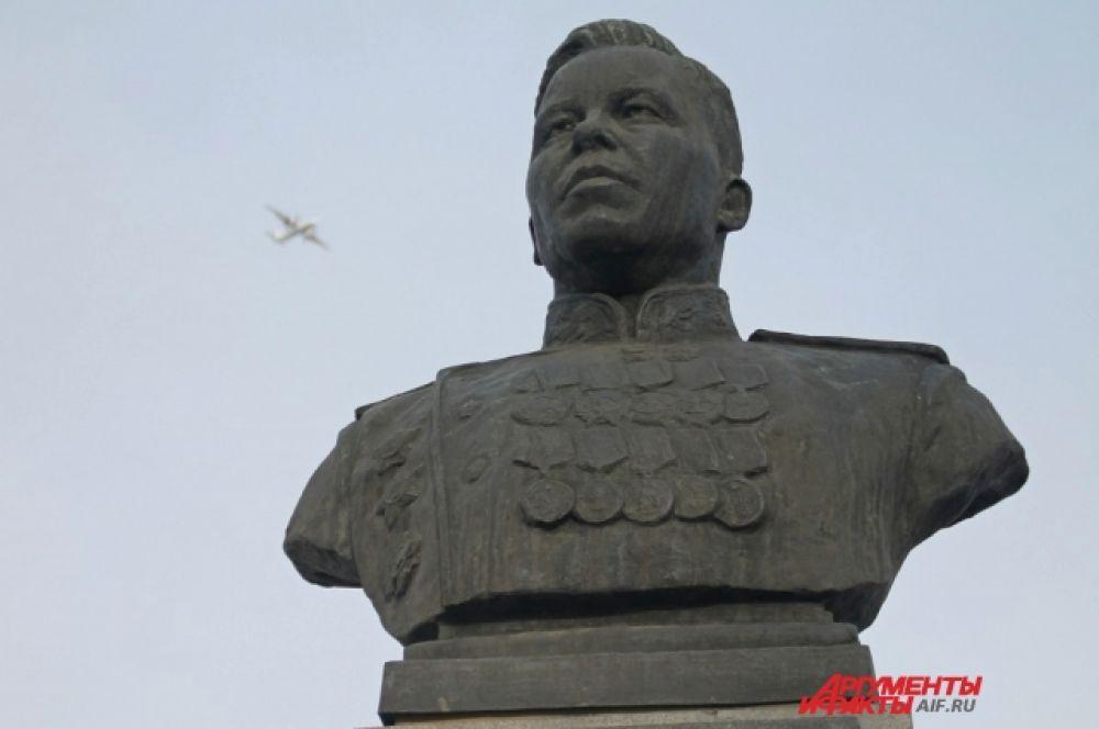 Память об Афанасии Павланьевиче Белобородове увековечена не только в Иркутской области, но и в других регионах России.