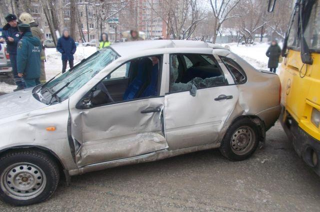 В результате ДТП девушка получила травмы.
