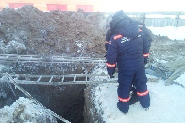 Под Новосибирском погиб рабочий, попавший под отвал грунта
