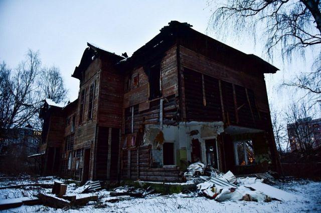 Ветхие дома продолжают сносить в Хабаровске.