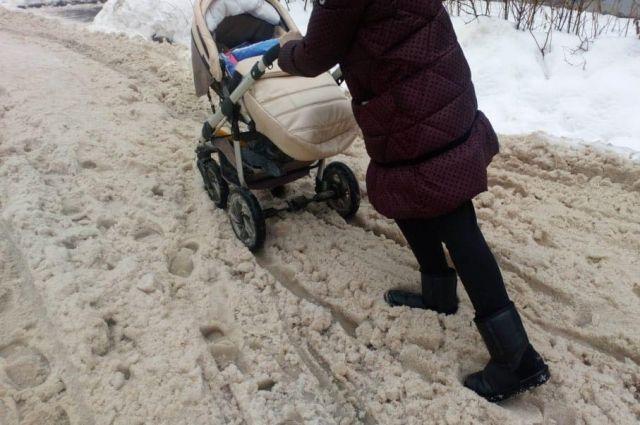 Так после снегопадов выглядит улица Ипподромная, 22 а