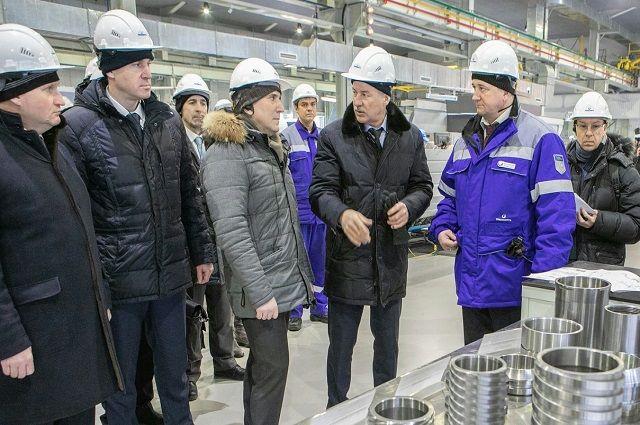 Александр Моор посетил тюменский ремонтно-механический завод