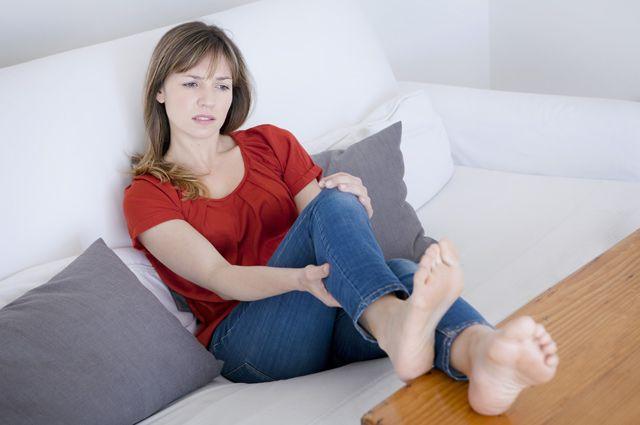 Мороз, сколиоз и авитаминоз. Из-за чего ноги сводит судорогой