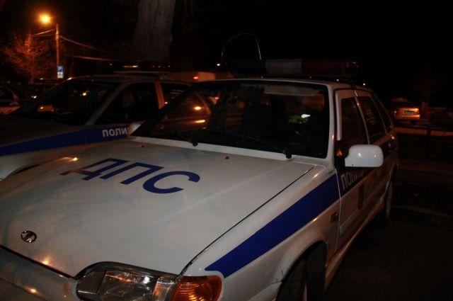 Микроавтобус снёс «Яндекс-такси» и ещё семь авто на Красном проспекте