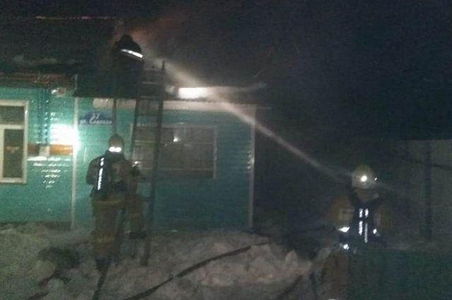 На месте происшествия в Бабынино работало 17 сотрудников МЧС.