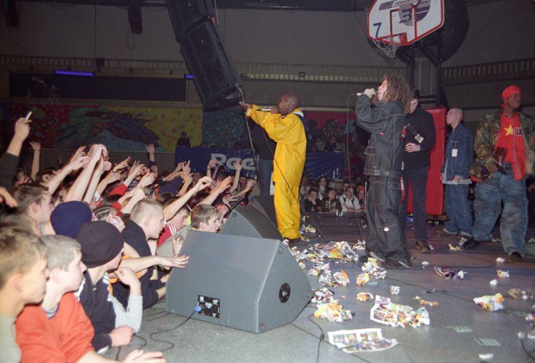 Децл на Международном фестивале «Рэп-музыка — 2001».
