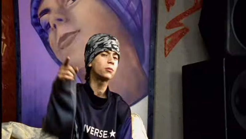 Децл в клипе «Вечеринка». 2000 г.