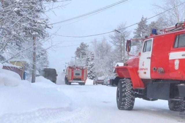 Эконом-гипермаркет тушили пожарные в Комсомольске.