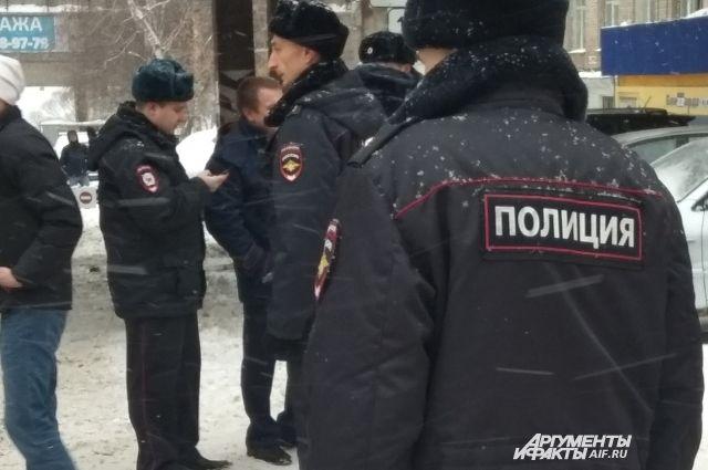 Полиция разыскивает мужчину, ограбившего старушку в Советском районе