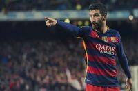 Футболиста Барселоны задержали за избиение популярного певца