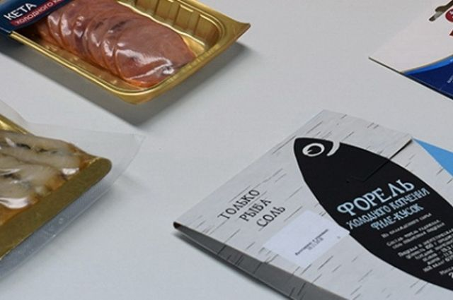 Случается, что в упаковке с нарезкой вместо форели, кеты, или лосося лежит замаскированный под ценные сорта минтай