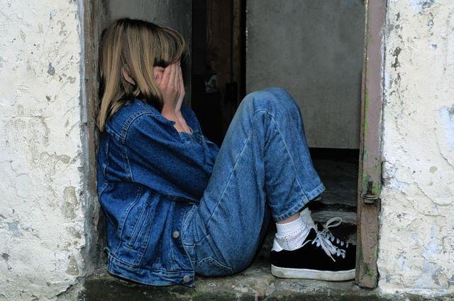 Несколько месяцев девочка терпела жестокое обращение.