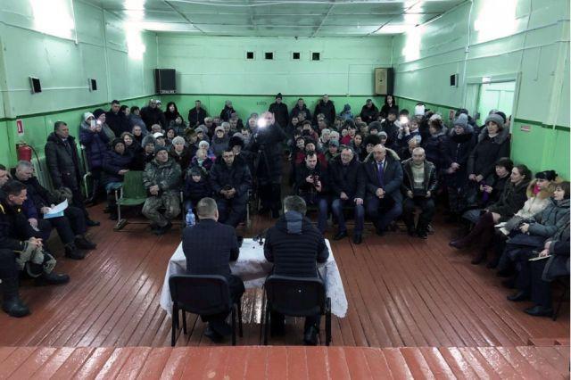 Губернатор Хабаровского края встретился с жителями Чекунды и Эльги, чтобы услышать их мнение.