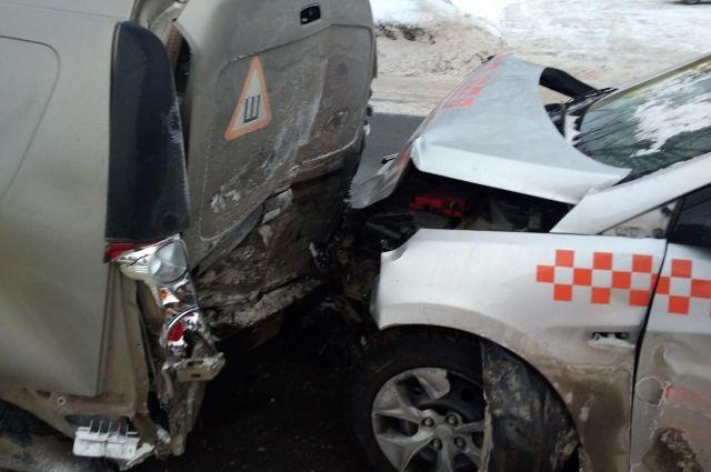 Водитель автомобиля «Хендай-Солярис» не соблюдал безопасной дистанции