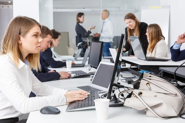 «Вирусный след». Можно ли заболеть гриппом, посидев за чужим компьютером?