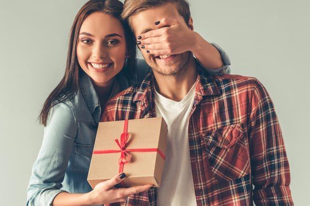 Не позорьтесь. 8 неудачных подарков на День влюбленных