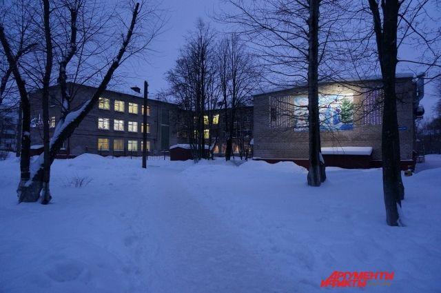 55 образовательных учреждений области получили допфинансирование