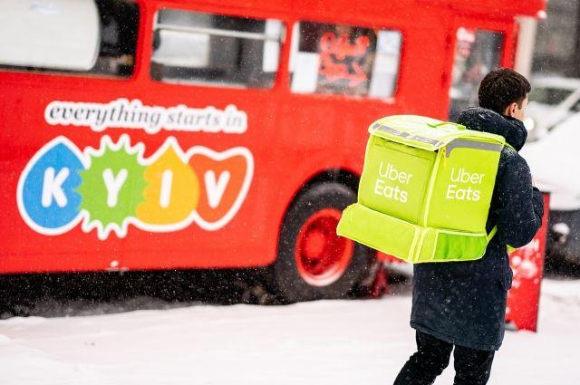 Еда на колесах: UBER запустил доставку еды и приготовил сюрприз клиентам