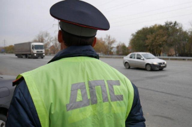 Причиной нападения стала остановка нарушителя инспектором.