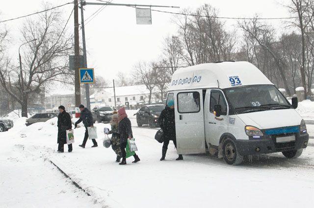 Маршрутки – не самый удобный транспорт, но альтернативы им в городе нет.