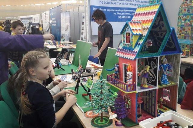 Омский НПЗ поддерживает программы дополнительного школьного образования