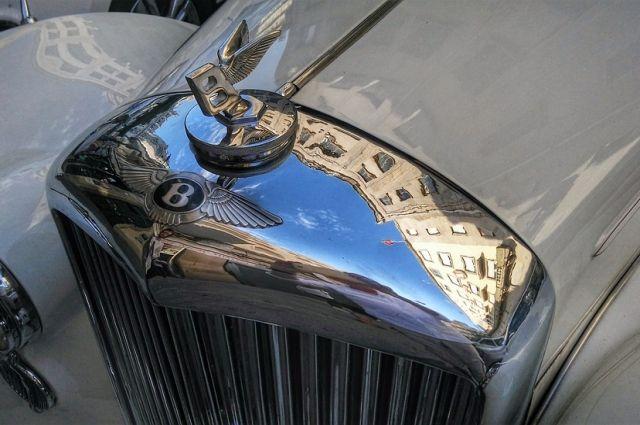 15:51 07/02/2019  0 172  Bentley отзывает 207 автомобилей в России    У машин обнаружили проблемы с программным обеспечением и с крепл