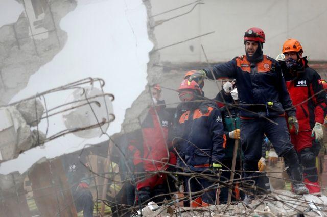 Возросло количество погибших при обрушении здания вСтамбуле