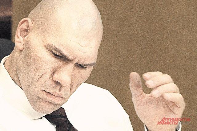 Николай Валуев пообещал главе Коми приехать в Сыктывкар, столицу чемпионата мира по бенди.